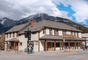 Best Hotel In Canmore With Bars and Clubs